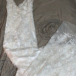 Mor pic of bridal gown/see posting! Reduced price